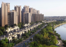Chengdu New World Riverside has a spectacular view of Fu River